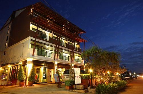 Lanta Sunny House Hotel - room photo 8800595