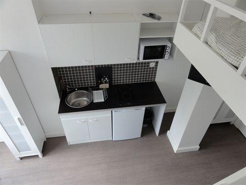 appart 39 h tel studios phenicio porte de versailles vanves les meilleures offres avec destinia. Black Bedroom Furniture Sets. Home Design Ideas