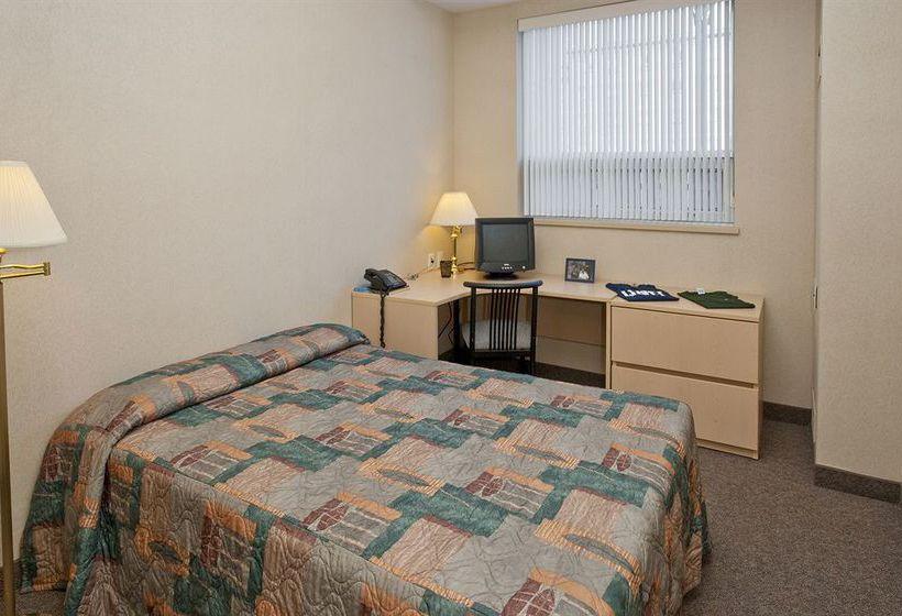 Residence & Conference Centre Oshawa Hotel & Apartamento
