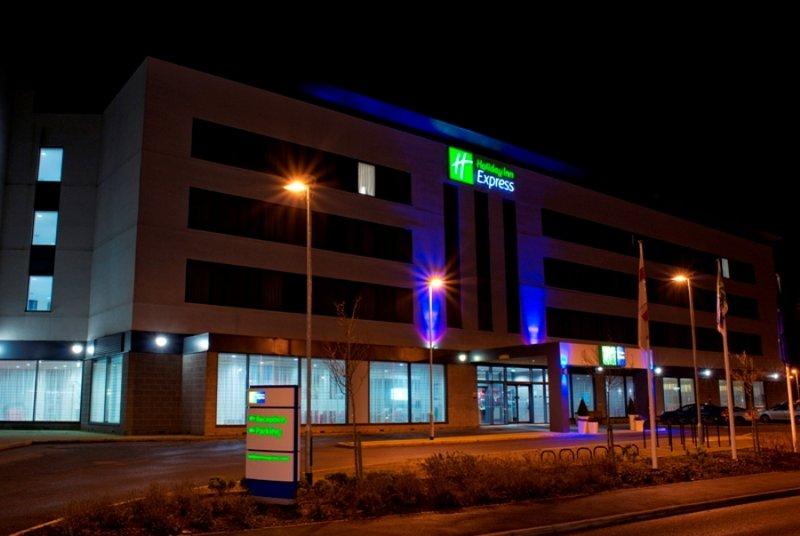 Отель Holiday Inn Express Rotherham North Ротерем