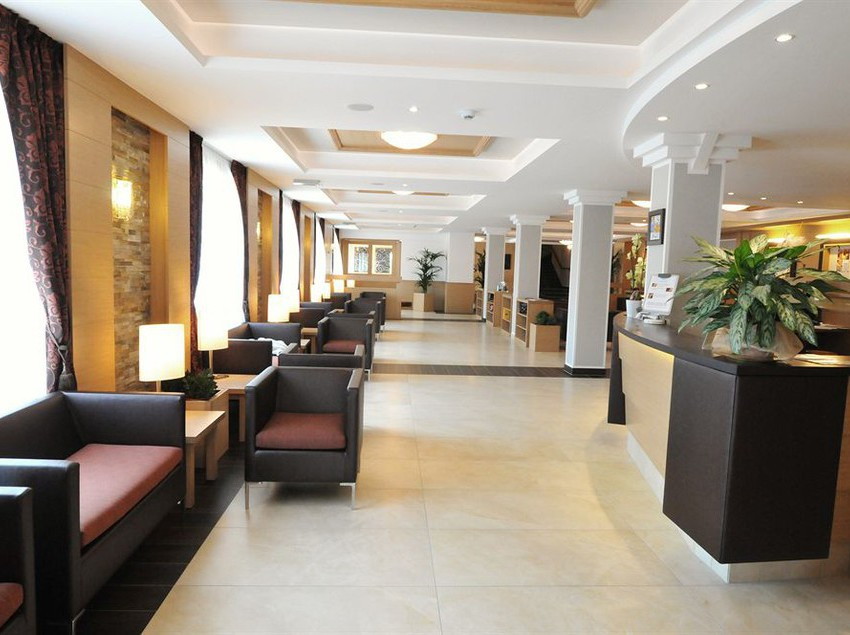 Hotel belvedere molveno le migliori offerte con destinia - Hotel a molveno con piscina ...