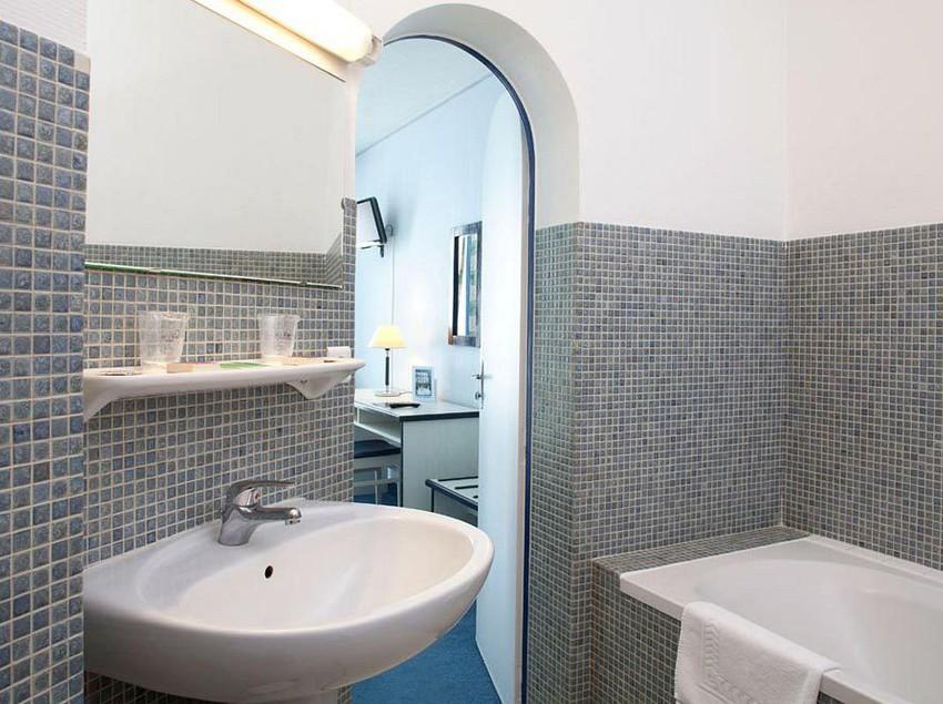 h tel l 39 univers angers les meilleures offres avec destinia. Black Bedroom Furniture Sets. Home Design Ideas