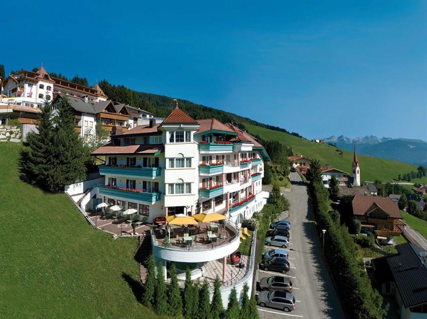 Hotel kristall valdaora the best offers with destinia for Valdaora hotel