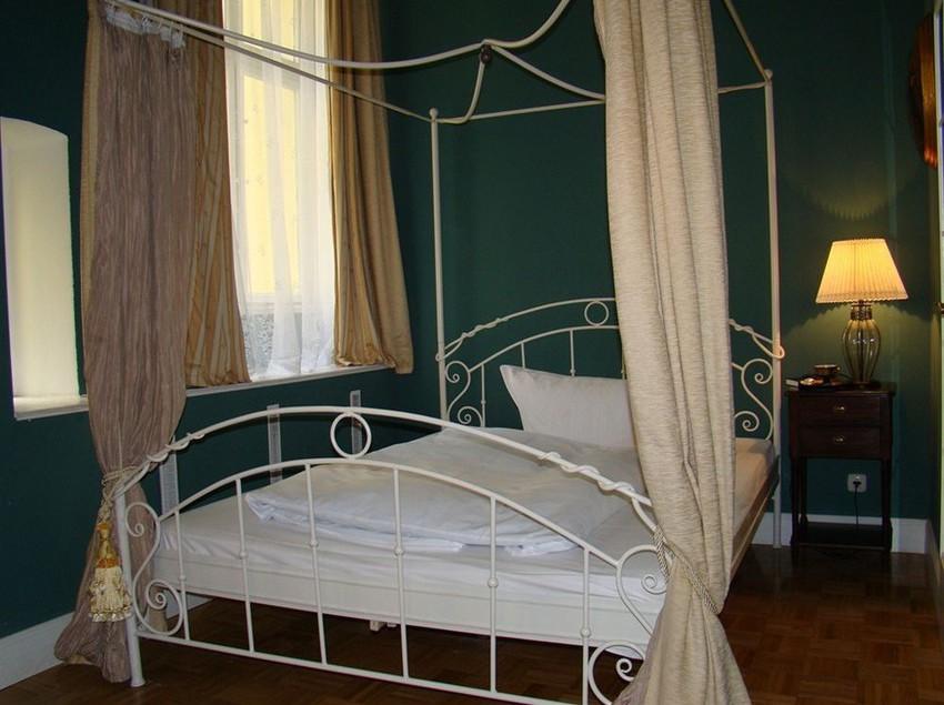h tel alte galerie am kudamm berlin partir de 16 destinia. Black Bedroom Furniture Sets. Home Design Ideas