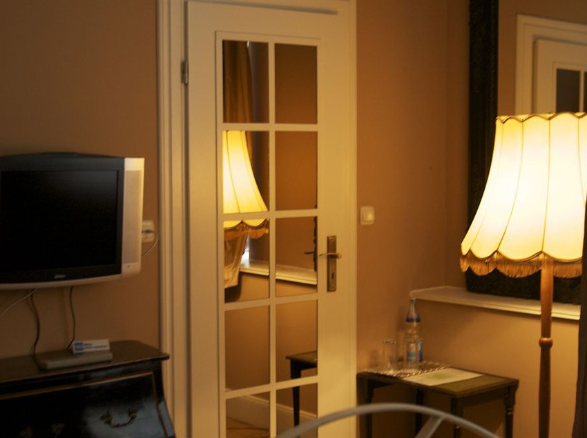 h tel alte galerie am kudamm berlin partir de 16. Black Bedroom Furniture Sets. Home Design Ideas