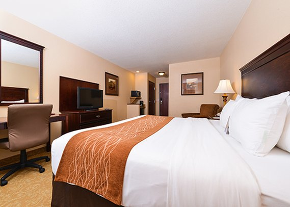 H 244 Tel Comfort Inn Amp Suites Mcminnville Mcminnville Les