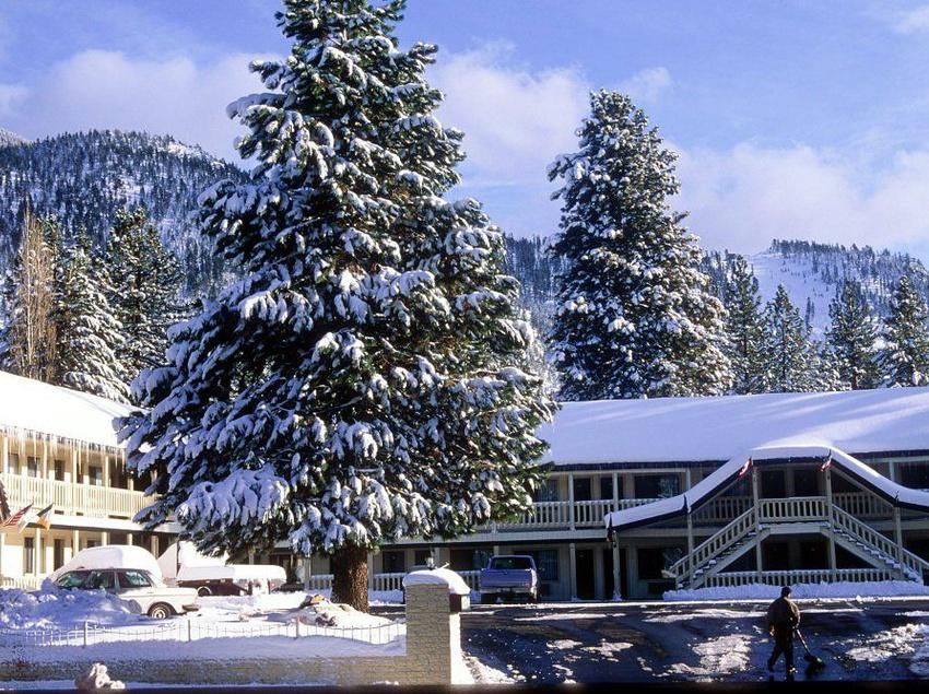 motel the trailhead south lake tahoe partir de 48. Black Bedroom Furniture Sets. Home Design Ideas