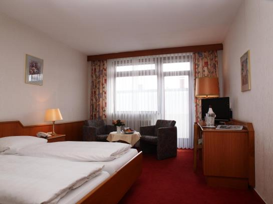 hotel bayerischer hof bad kissingen the best offers with destinia. Black Bedroom Furniture Sets. Home Design Ideas