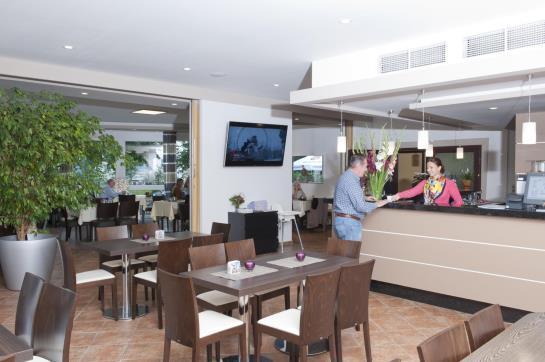h tel eichholz sindelfingen les meilleures offres avec destinia. Black Bedroom Furniture Sets. Home Design Ideas