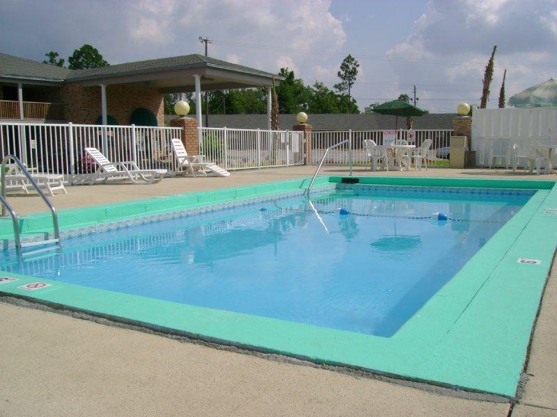 Emerald Sands Hotel Milton Florida