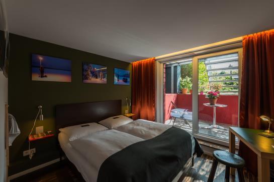 h tel das kleine schwarze garni hambourg partir de 44 destinia. Black Bedroom Furniture Sets. Home Design Ideas