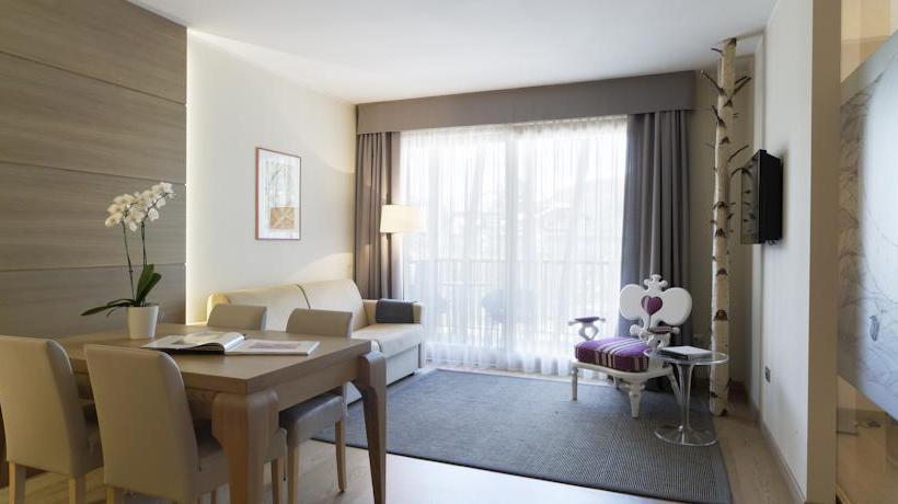 Resid ncia art design hotel napura em bolzano desde 87 for Design hotel napura