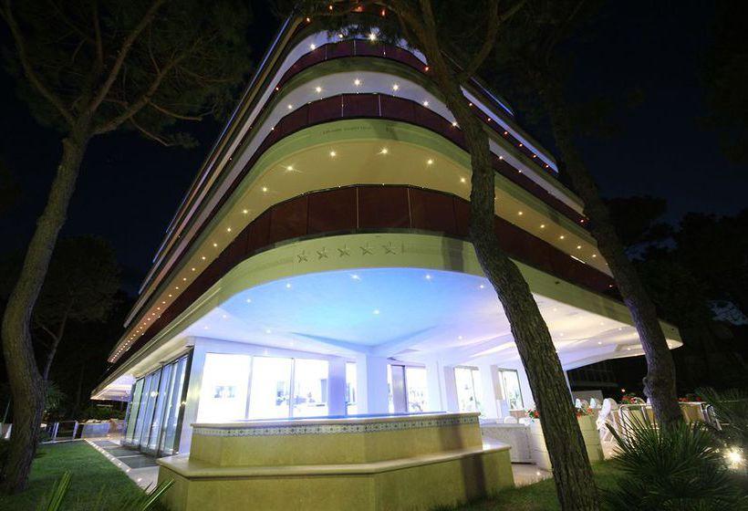Boutique paradiso hotel bovelacci in cervia starting at for Boutique hotel milano marittima