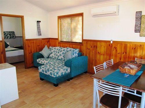 hotel blue dolphin holiday resort en yamba destinia. Black Bedroom Furniture Sets. Home Design Ideas