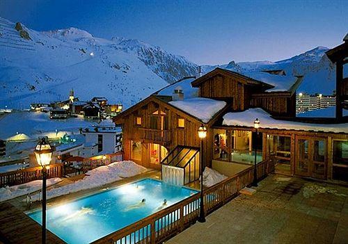 Hotel village montana em tignes desde 108 destinia for Hotel familiar montana