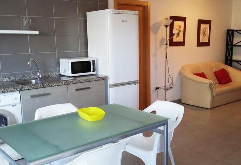 Apartamentos gand a playa centro 3000 in gandia starting at 19 destinia - Playa gandia apartamentos ...